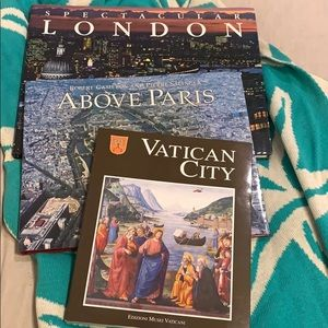 Accents - Coffee table books set of 3